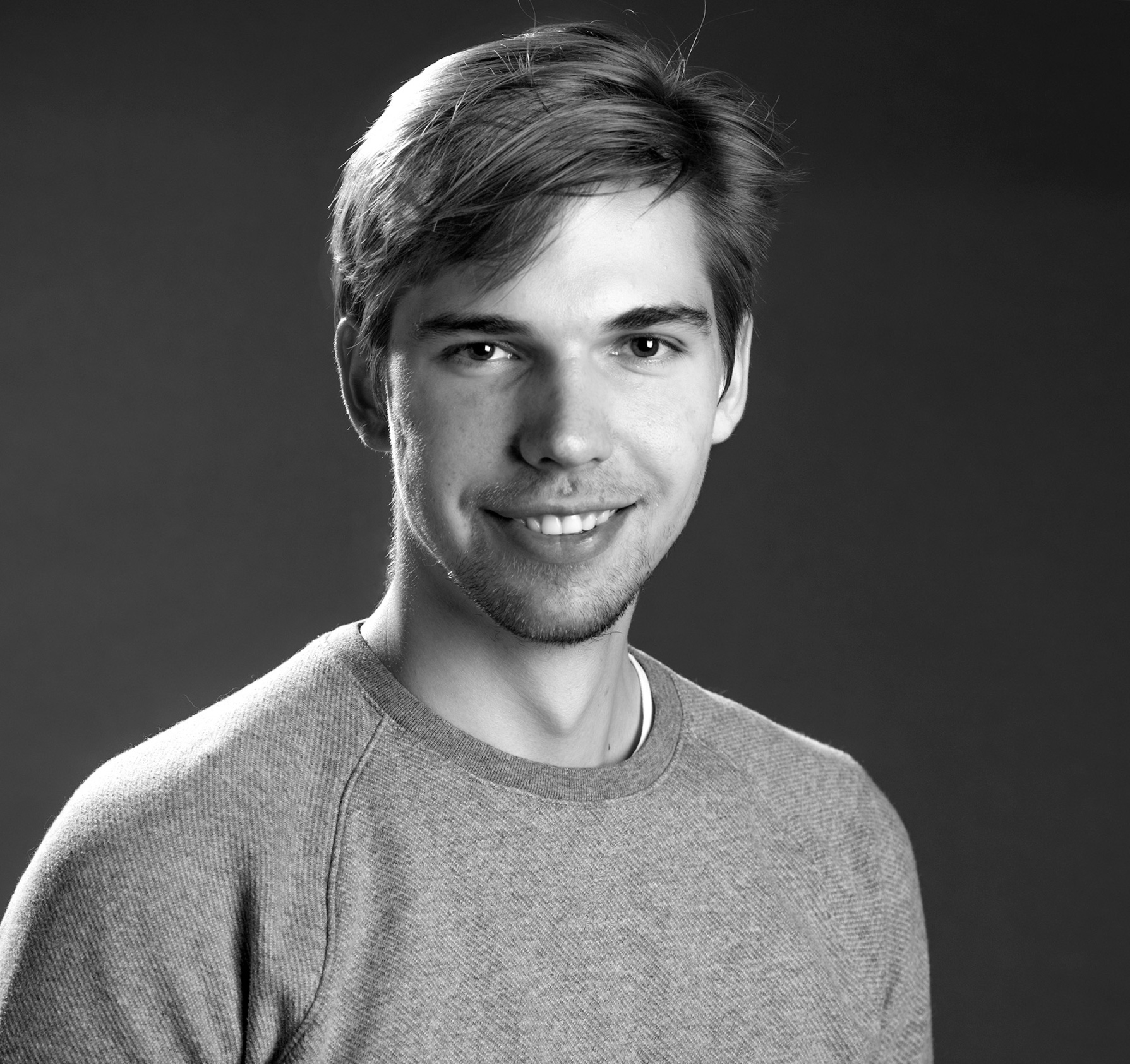 Evgeny Gushchin - With a background in mathematics and finance, I'm an ambidextrous designer who takes a unique approach that blends analytical and creative thinking to solve clients' problems.