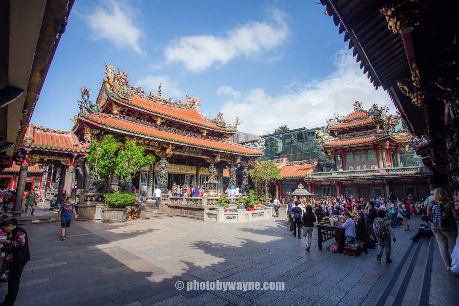 taipei-long-shan-temple-of-manka.jpg