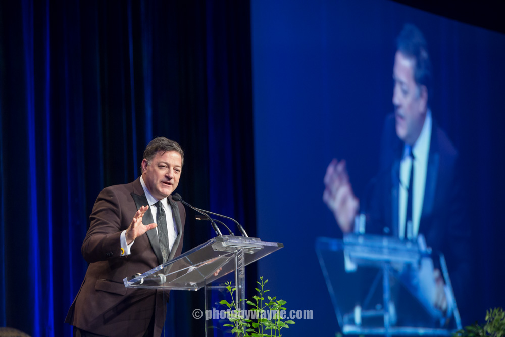 31-friends-of-we-care-dinner-gala-host-kevin-frankish.jpg