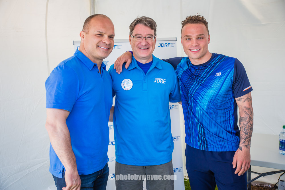 15-jdrf-canada-president-dave-prowten-with-tie-and-max-domi-nhl-player.jpg