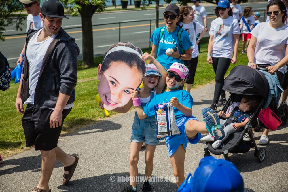 36-2-young-girls-at-jdrf-charity-walk.jpg