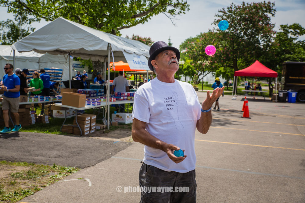 53-male-juggler.jpg