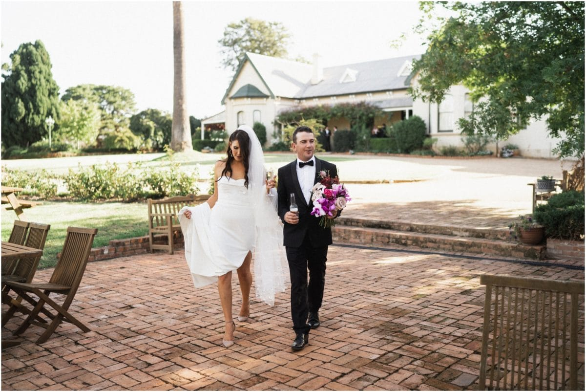 wagga-wedding-photographer-uneke-warehouse-borambola-wines-wedding_0088-1200x802.jpg