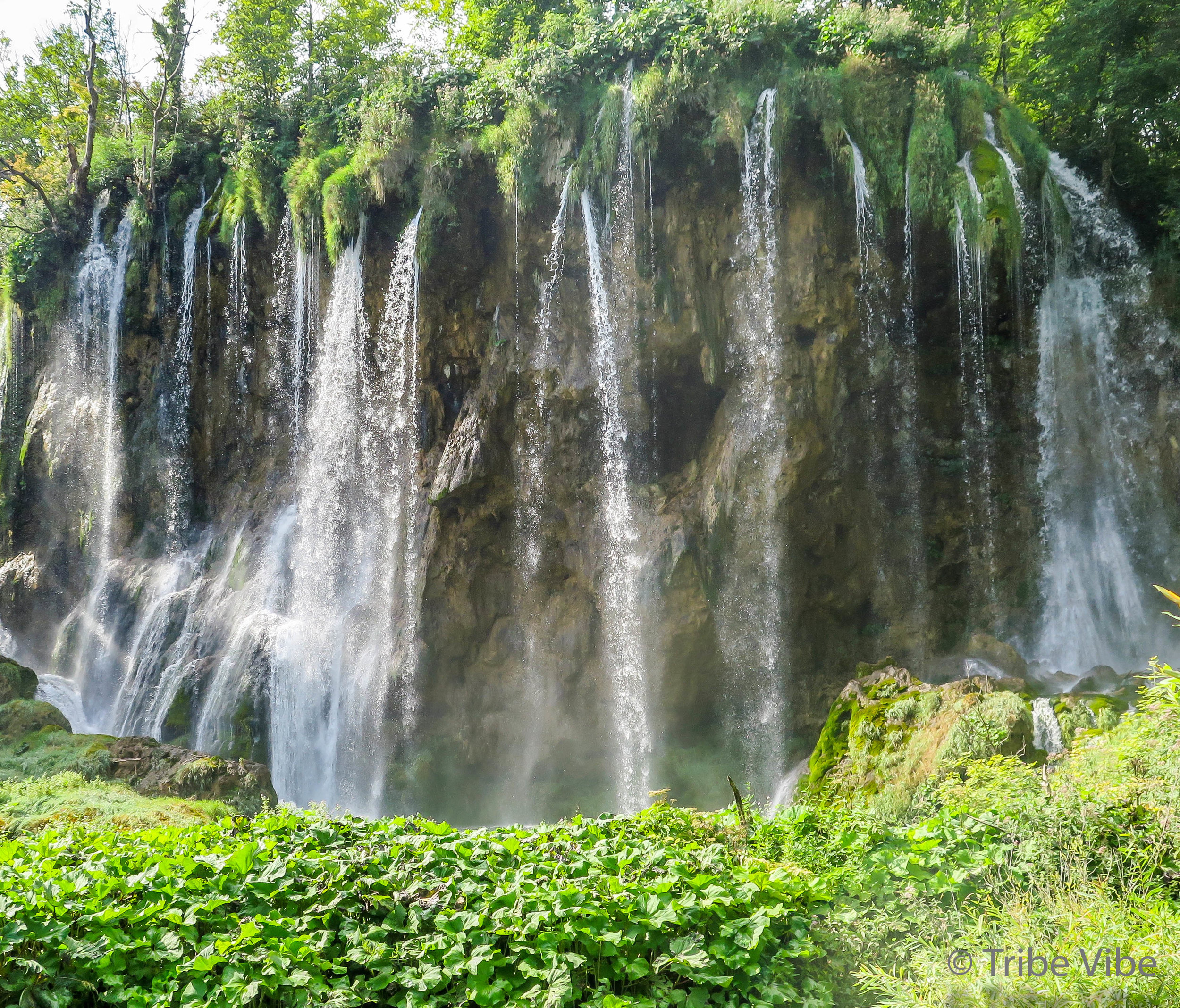 Croatia Road Trip. Plitvice Lakes National Park. A perfect day hike surrounded by waterfalls.