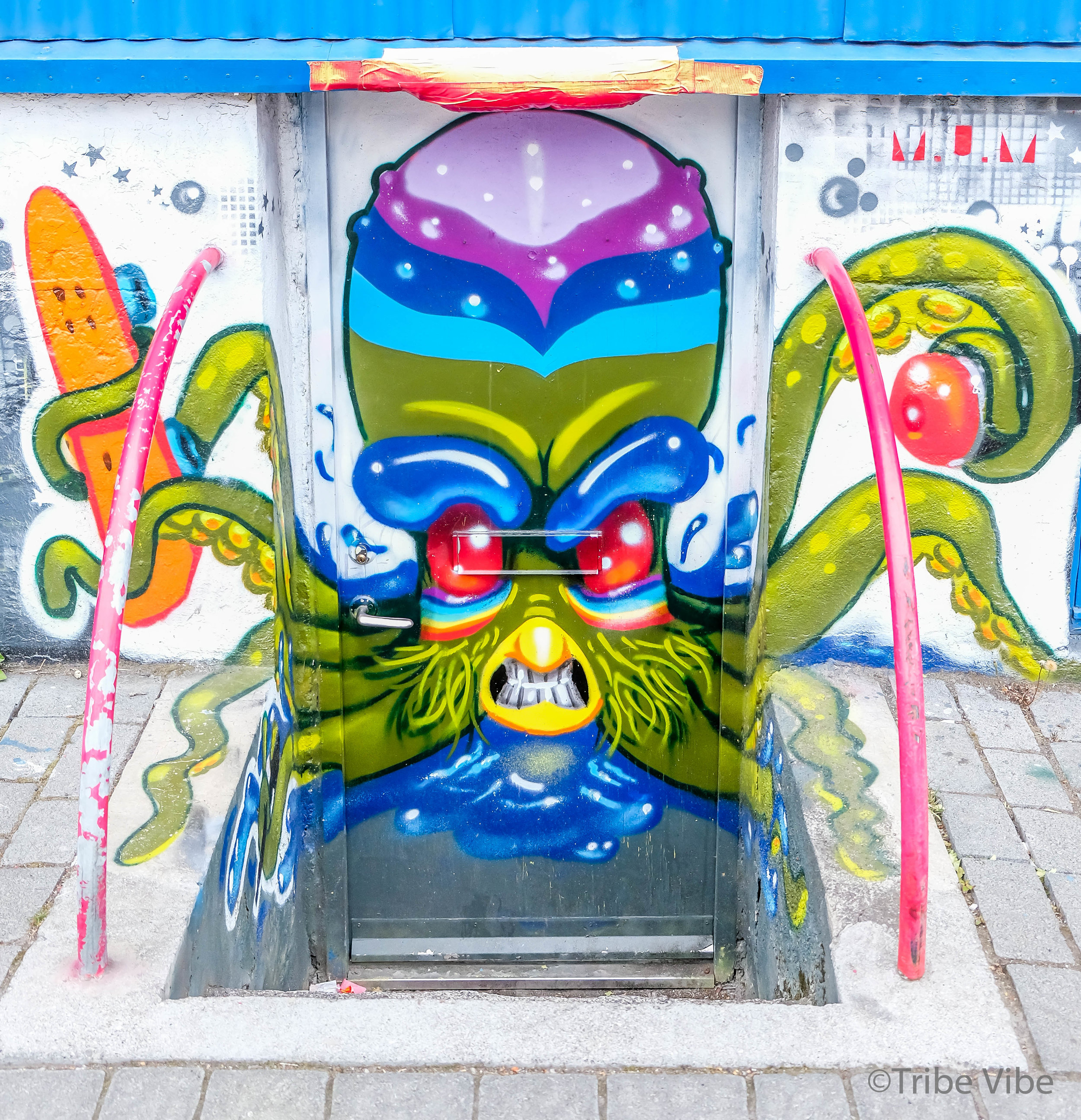 Reykjavik Graffiti Iceland 4.jpg