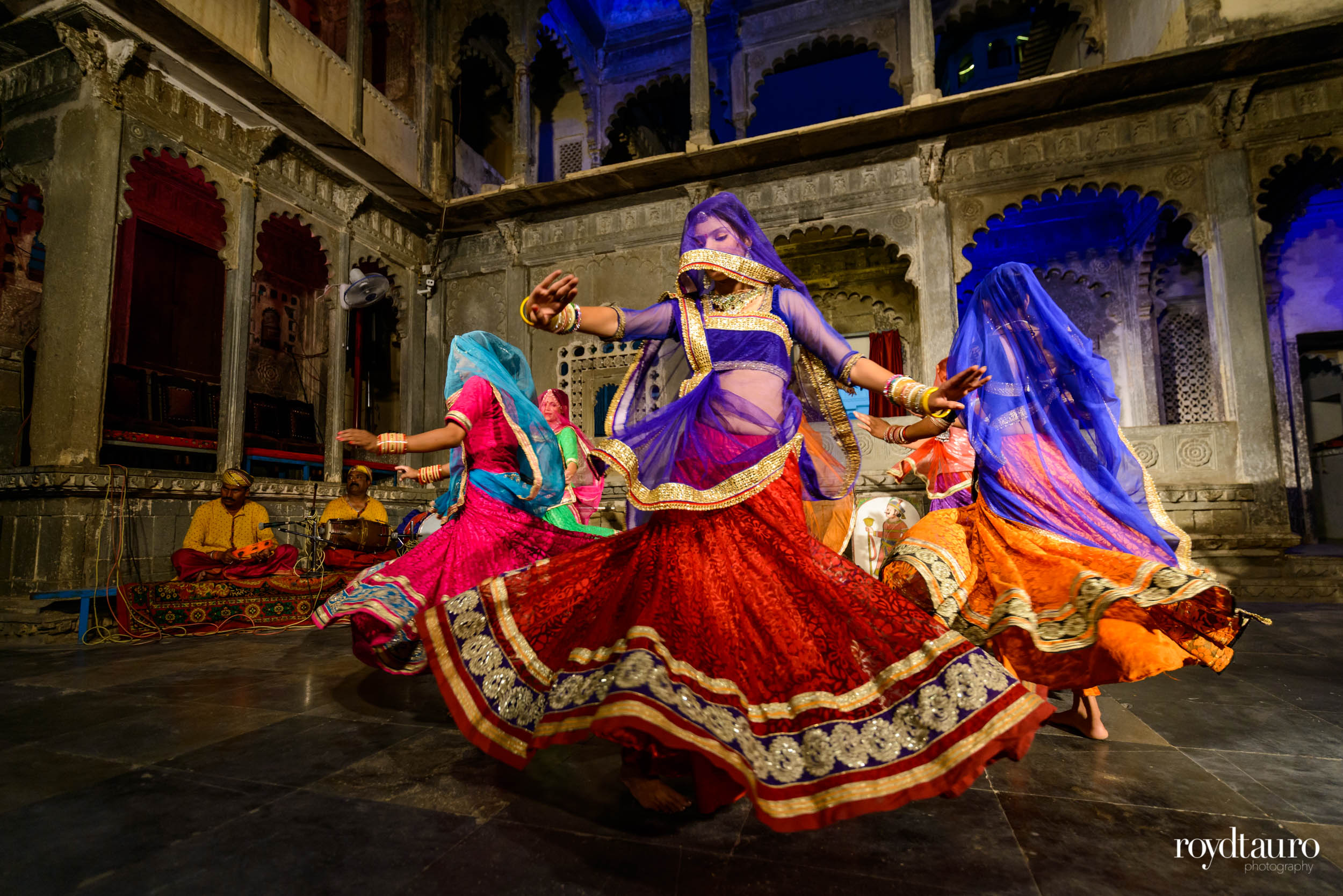 ghoomar-udaipur-bagore-ki-haveli.jpg
