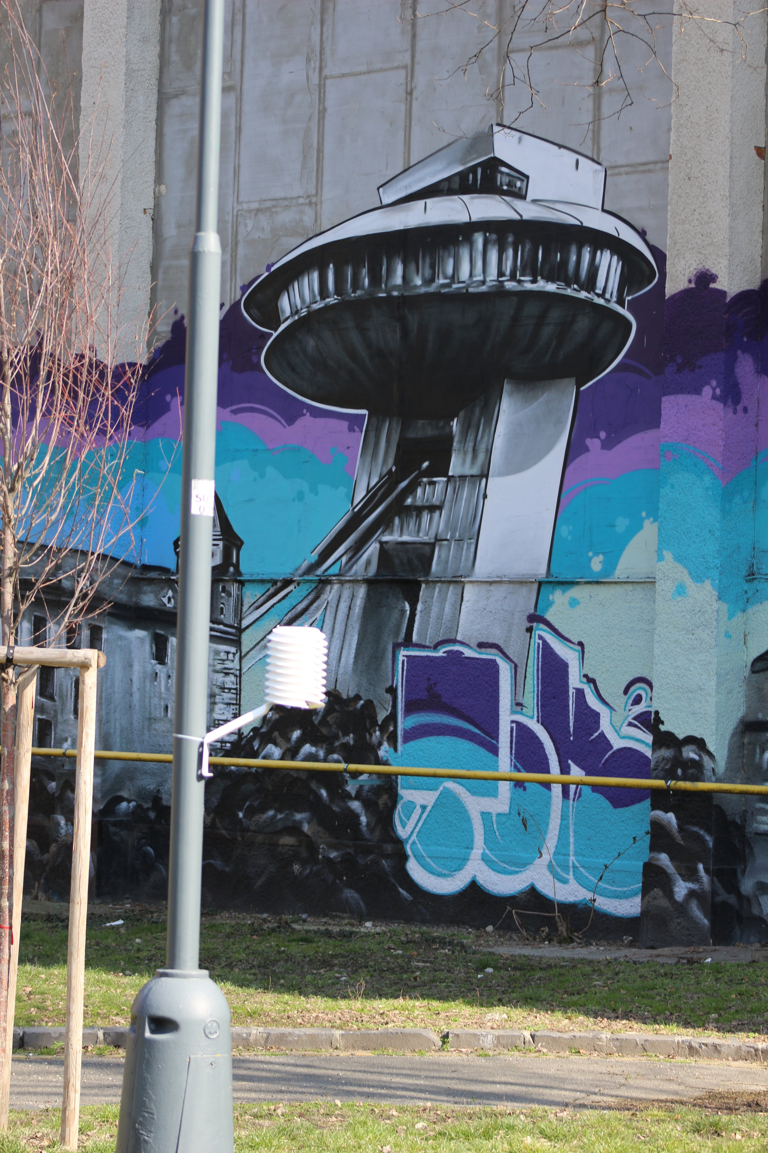 MeteoHelix IoT home graced by graffity background