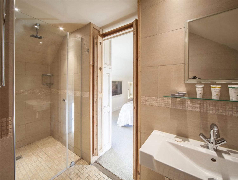 wiveton-bell-white-room5.jpg