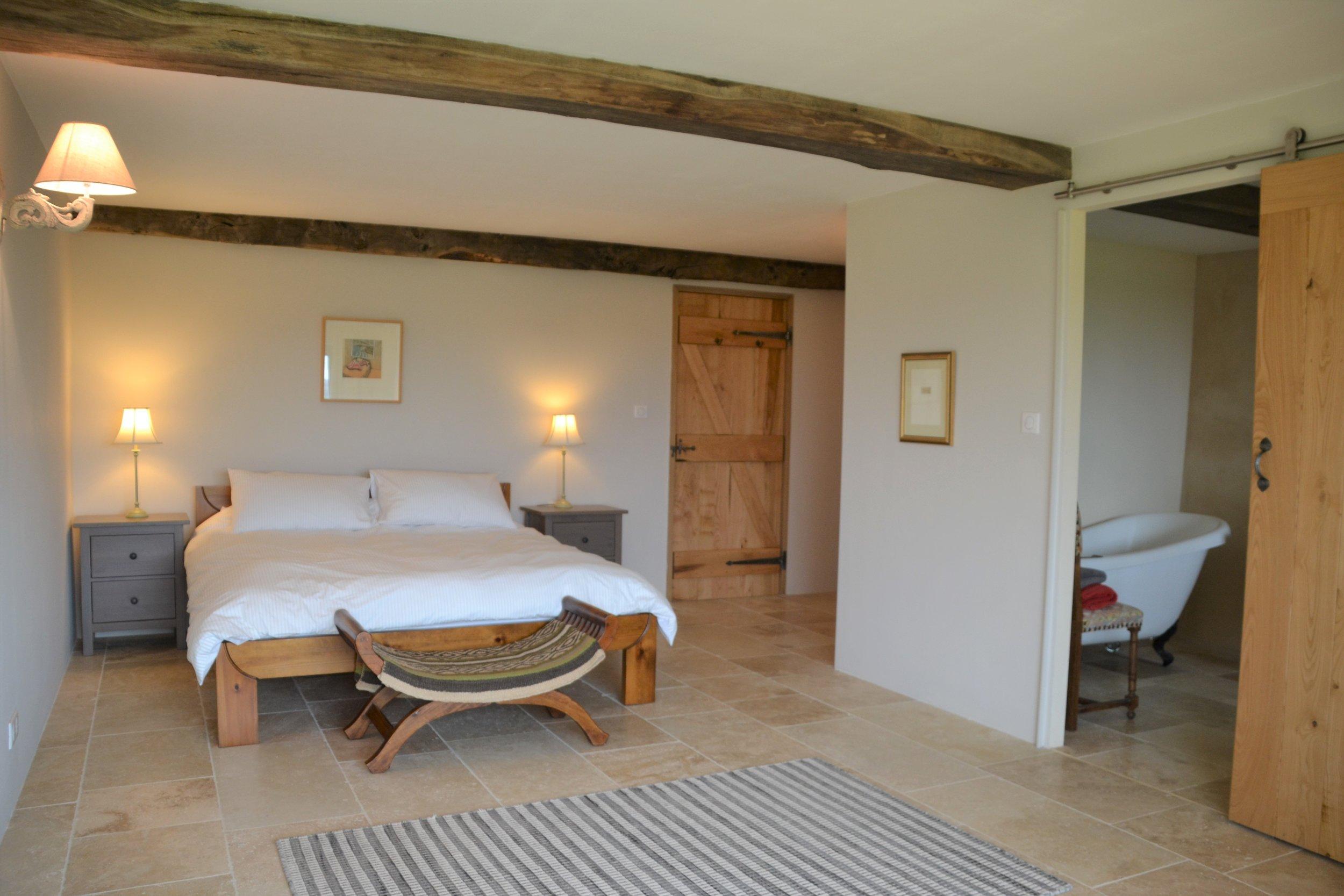 Bedroom 2 .. Chambre 2