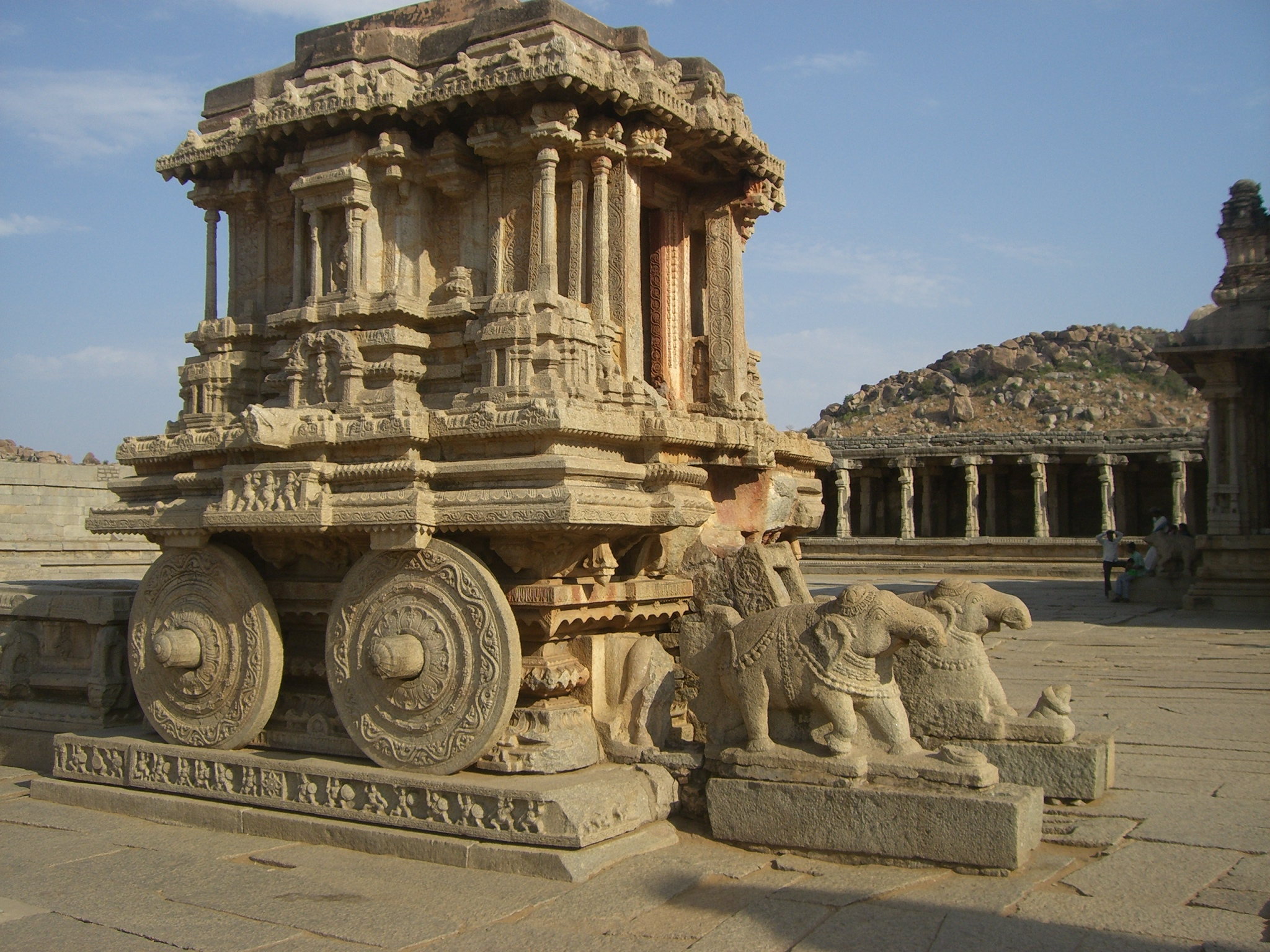 Stone Chariot of Vitthala Temple - Hampi.JPG