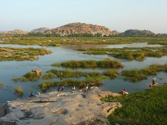 tungabhadra-river.jpg