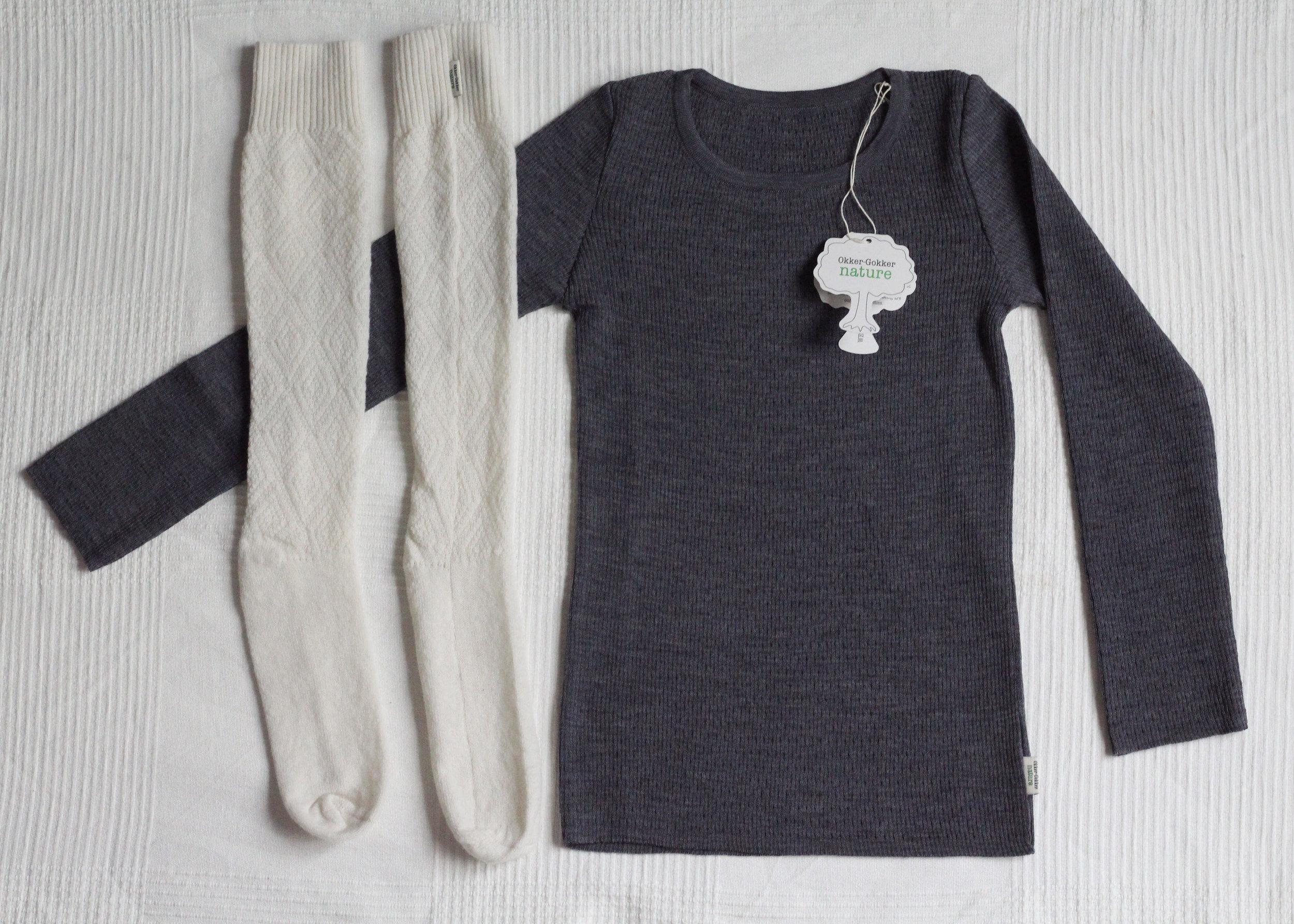 Knästrumpor och  tröja  i 100% ekologisk ull