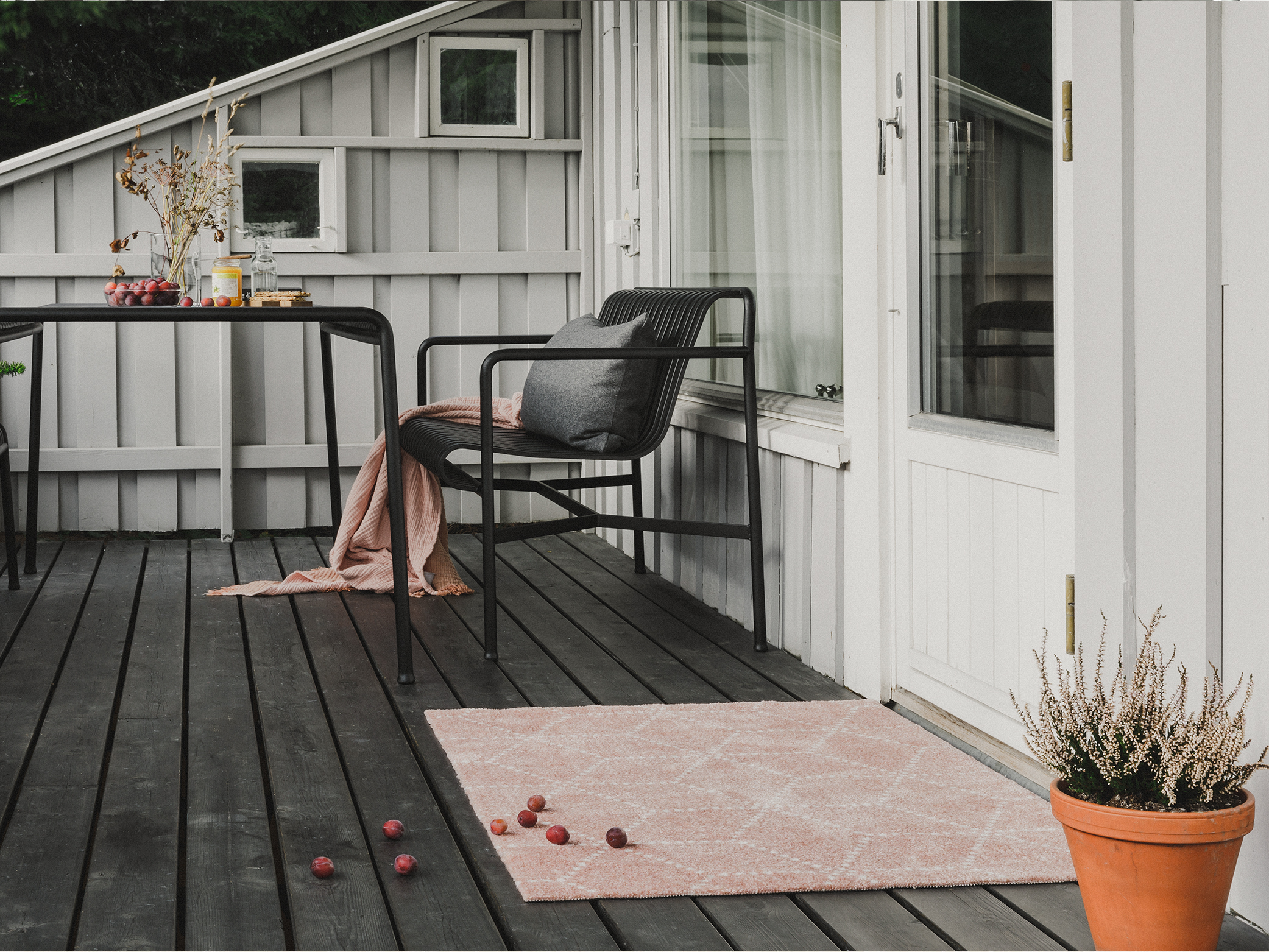 Yes! It can also be used outdoors as long as it is under a covered awning or patio.