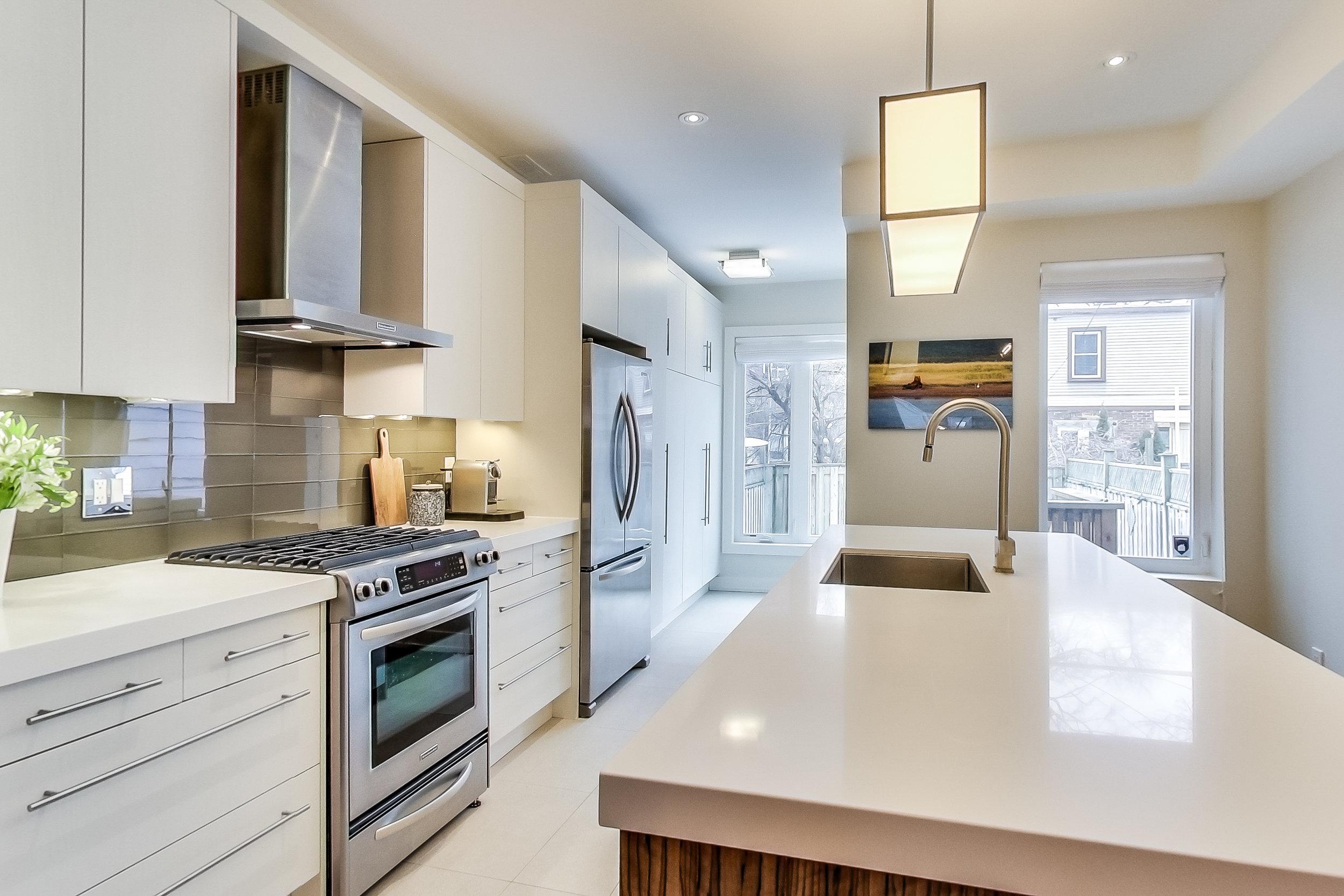 **Kitchen.jpg