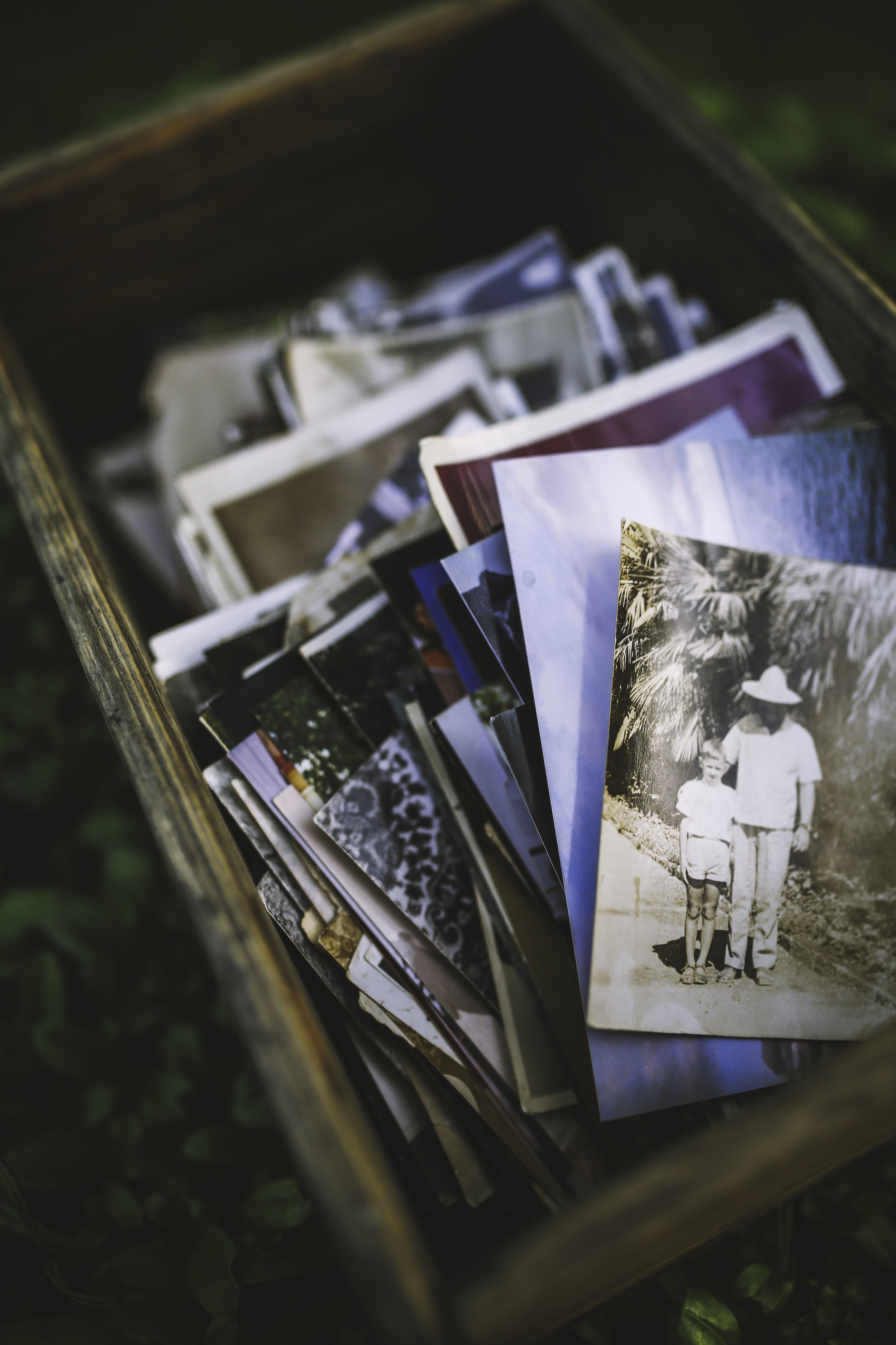 photos-wooden-box-old.jpg