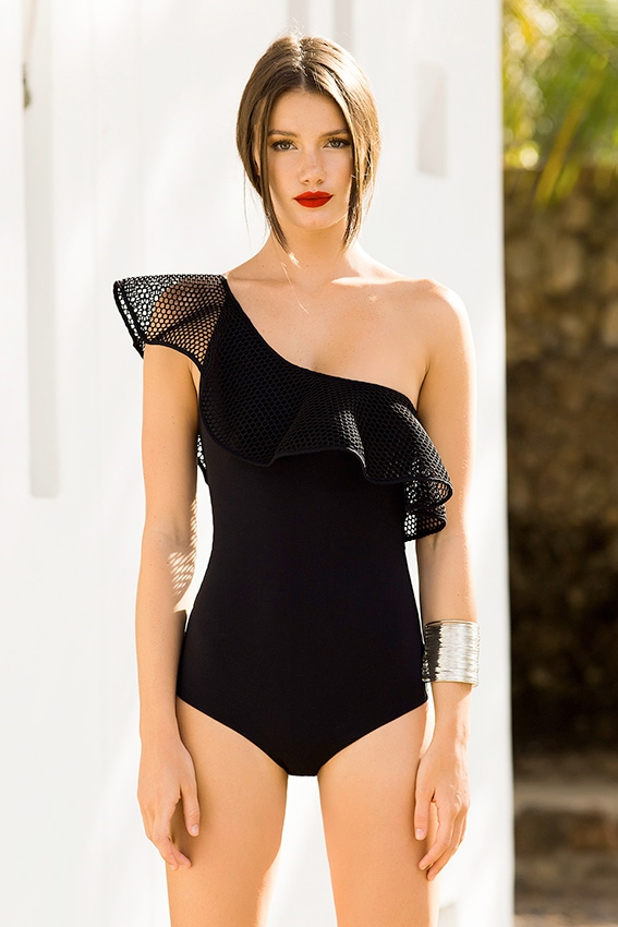 The classic one piece - One thing that has remained consistent throughout the evolving swimwear trends throughout the ages has been the classic one piece. The one piece is incredibly comfortable to wear and looks just as smashing as a bikini. With the new styles of the one piece, now it's not just about covering up your body but instead accentuating all its best features. With a cut out one piece, you can decide which best asset of yours you want to put on display.