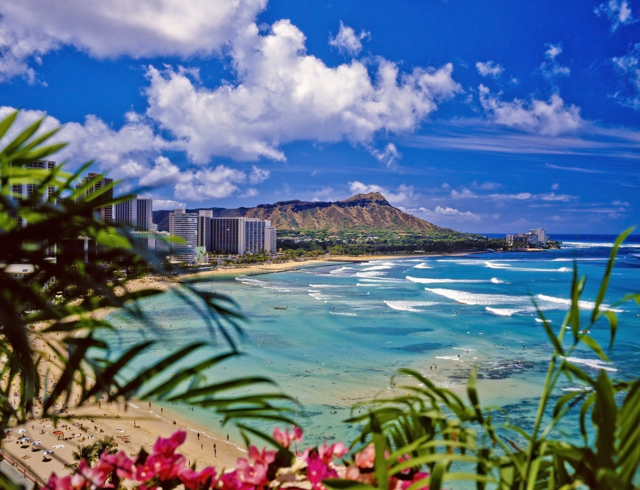 Hawaii  There is no better place to spend your summer than the extremely beautiful beaches of Hawaii. With weather that stays pretty much awesome all year round, this place has amazing islands where every island has something exciting to offer