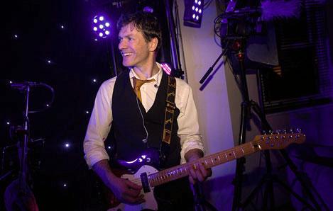 wedding band Gloucestershire - Ross band leader
