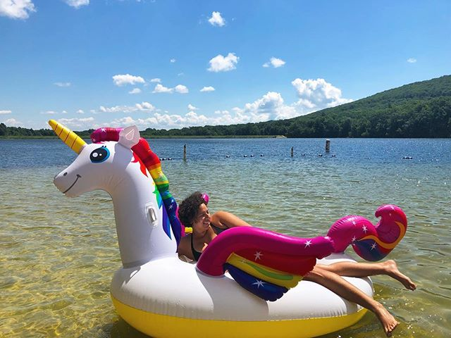 🦄 We loved this little man-made family friendly lake in the middle of coal country Pennsylvania! . . . #lesbians #lesbiantravel #lgbttravel #lgbt #lake #summer #outdoors #unicorn🦄 #unicornfloat #park #swimming #travel #travelgram #travelling #fun #happy #sunshine