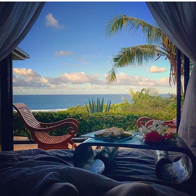 Wake up to a view like no other at #myolafiji 🌴🌺 vinaka @nataliacharlottevivienne for the 📸 #fiji #travel #wanderlust #luxury