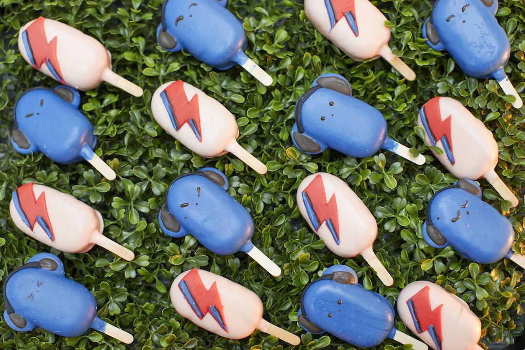 Collarts cake pops.jpg