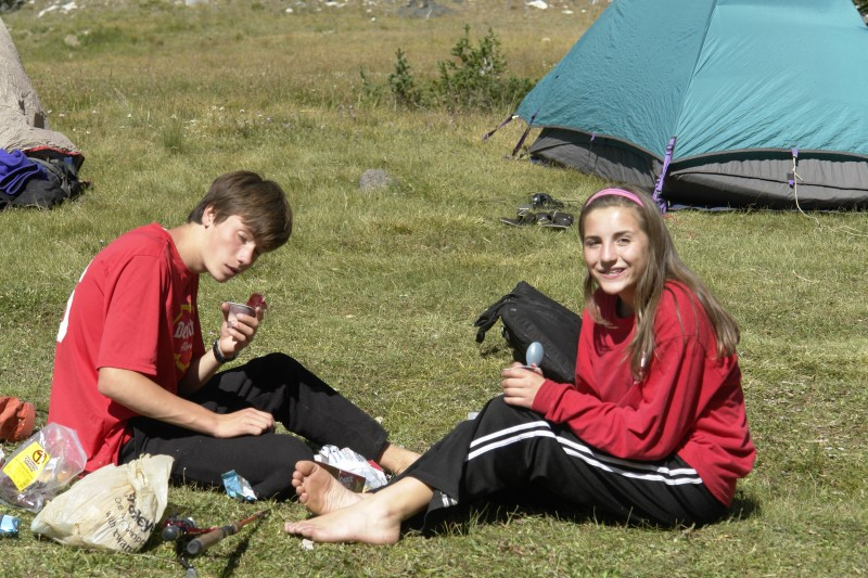 Jim and Kenna tuck into some pudding packs. Those looked pretty good!