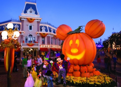 1053026896_Halloween Hero_ with Mickey & Minnie.jpg