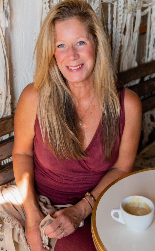 Meet Suzanne - Glowing and Luminious Conscious Living in Los Angeles!