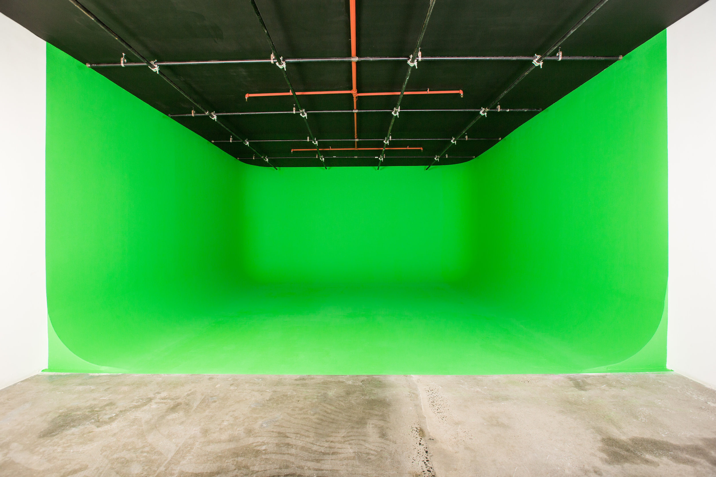 green-screen-cyc-studio-nyc.jpg