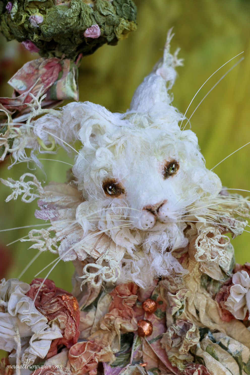 white-rabit-child-detail-11.jpg