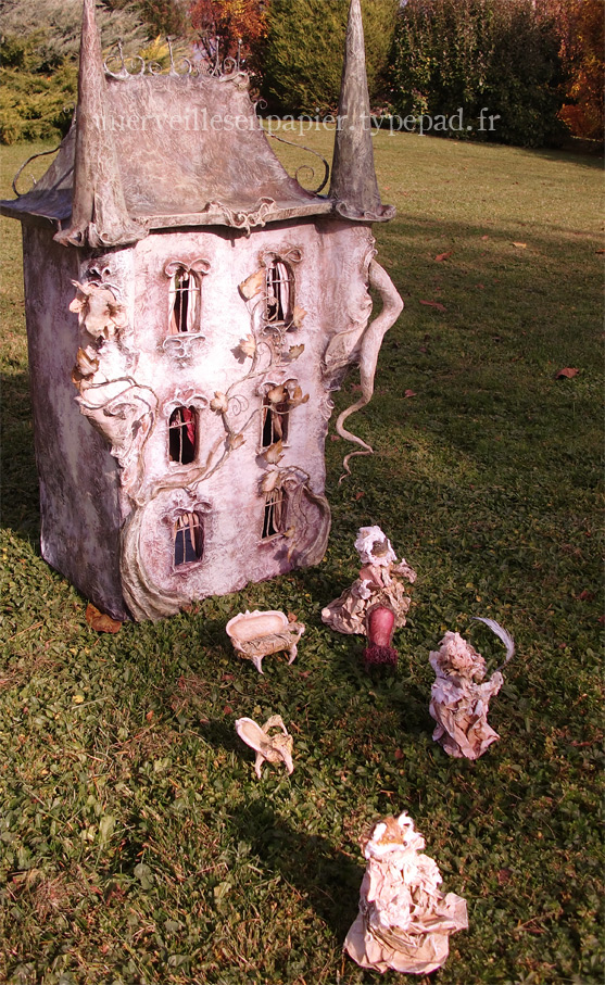 haunted dollhouse 78.jpg