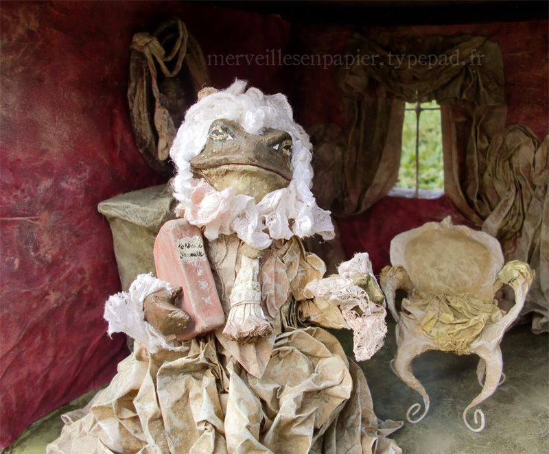 lady frog in her dollhouse 7.jpg
