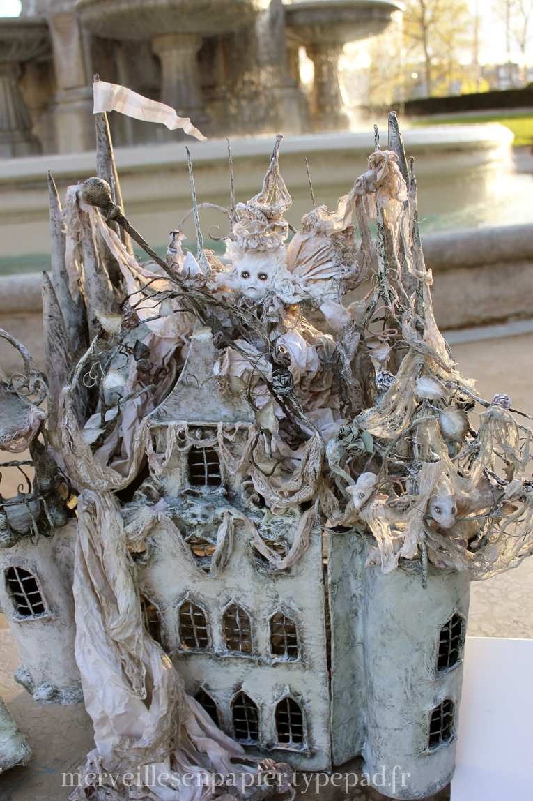 White cat castle  2.jpg