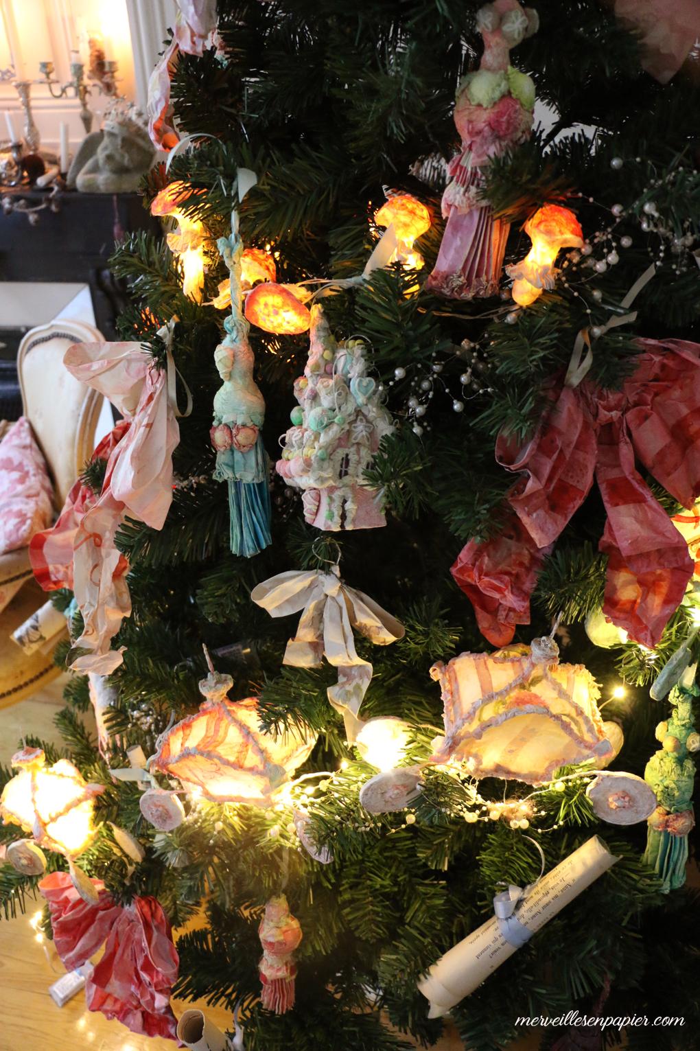 christmas-paper-ornaments-45.jpg