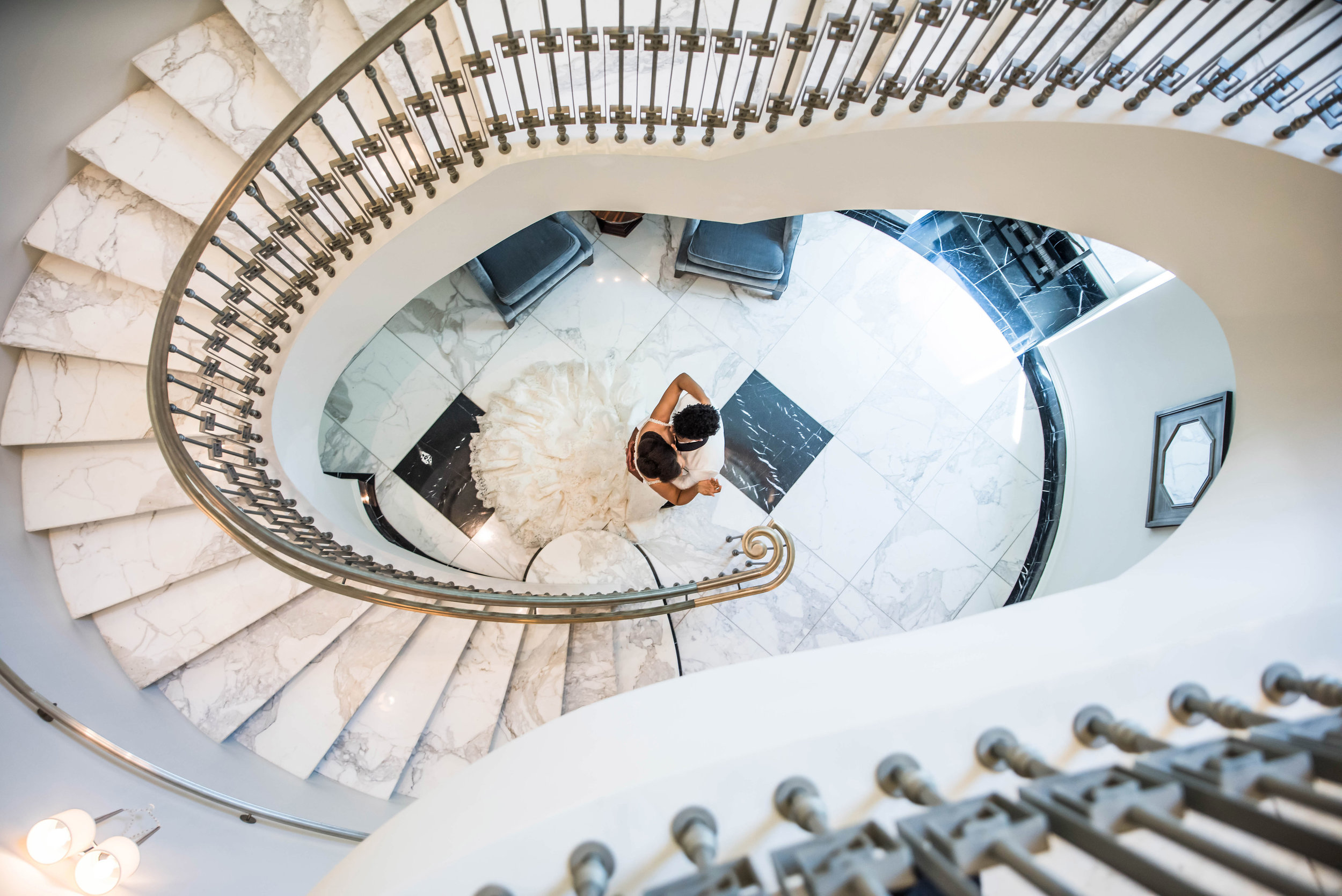 couple-in-spiral-staircase