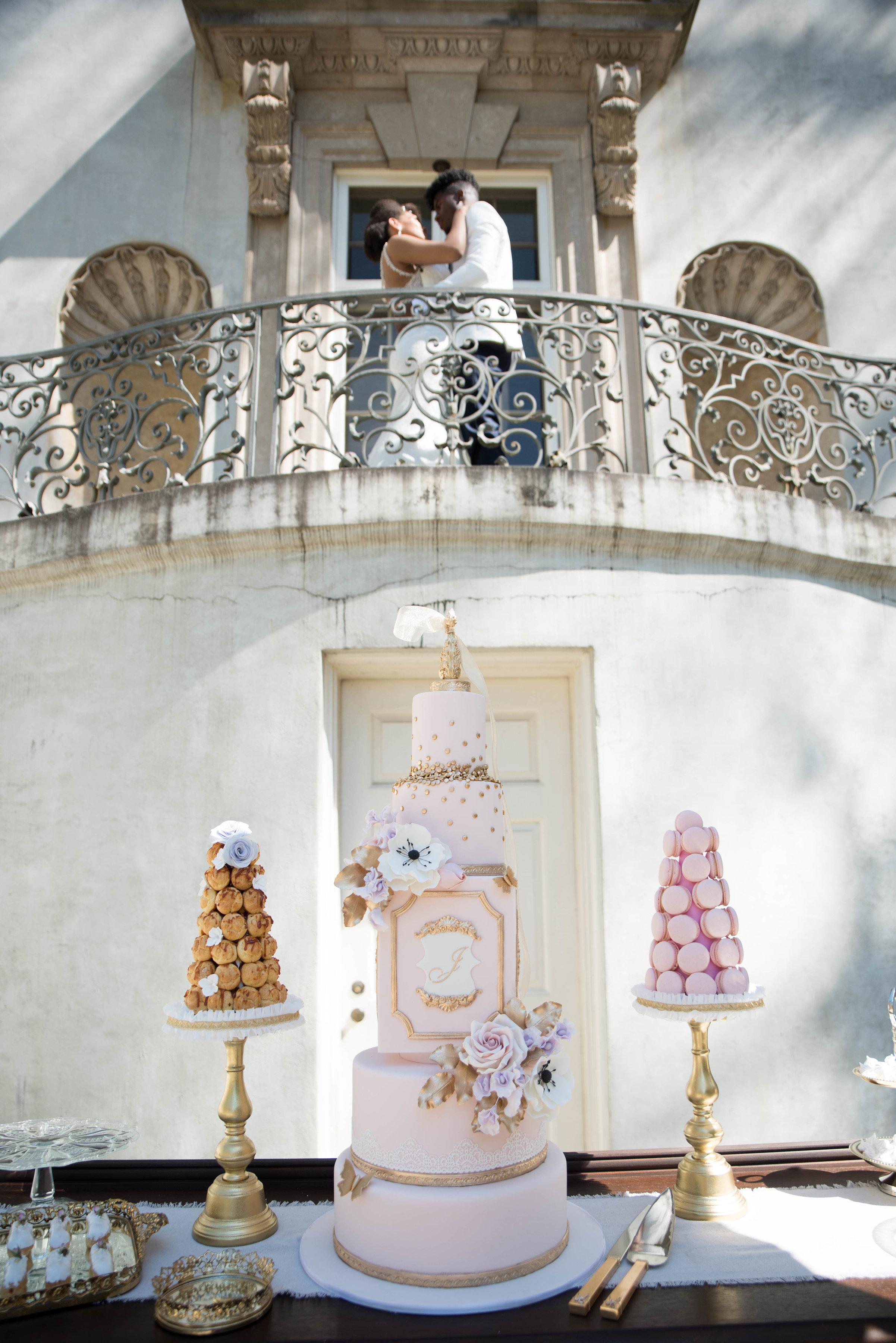 grand-multi-tiered-wedding-cake