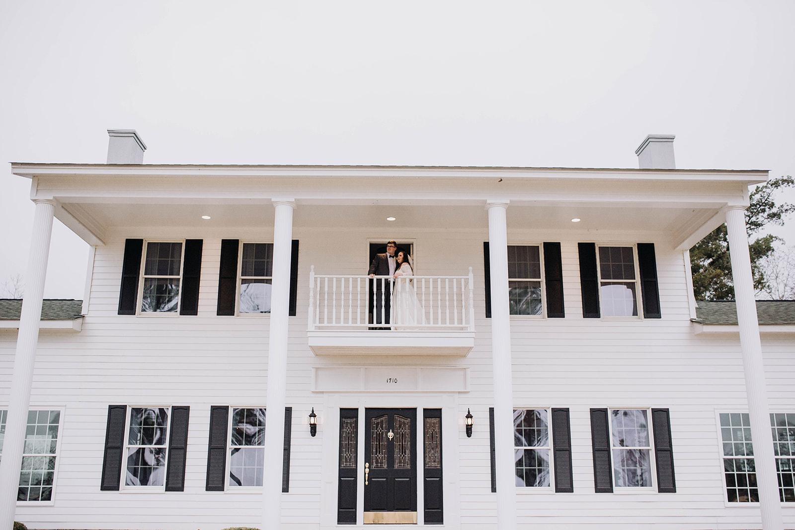 Couple on balcony.jpg