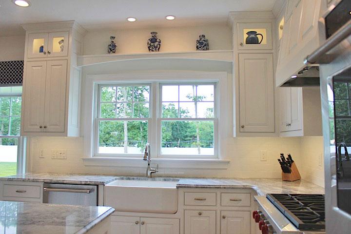 White-beach-house-kitchen-IMG_7558.jpg