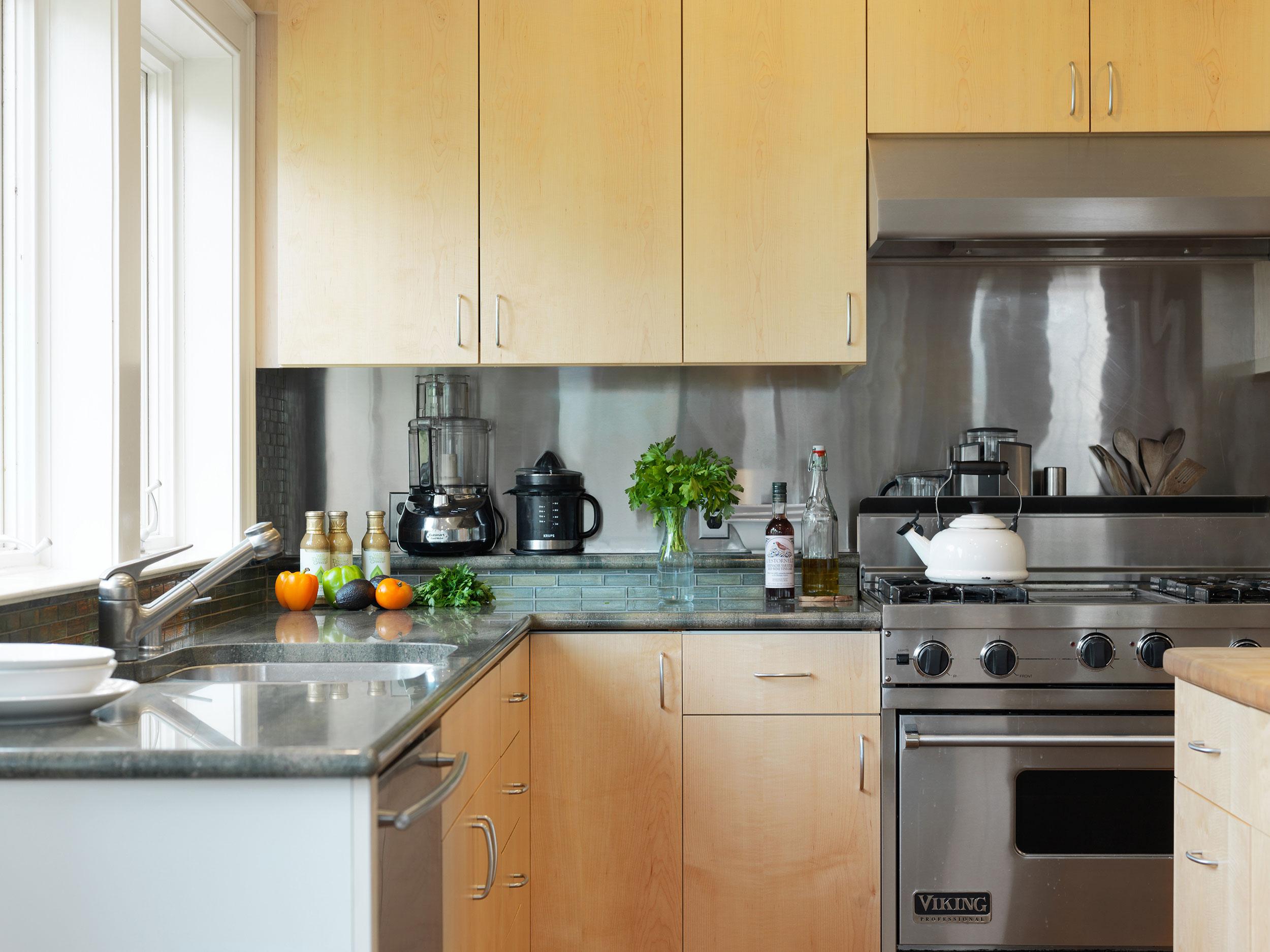 Maple-Slab-Kitchen-Cabinets-2.jpg