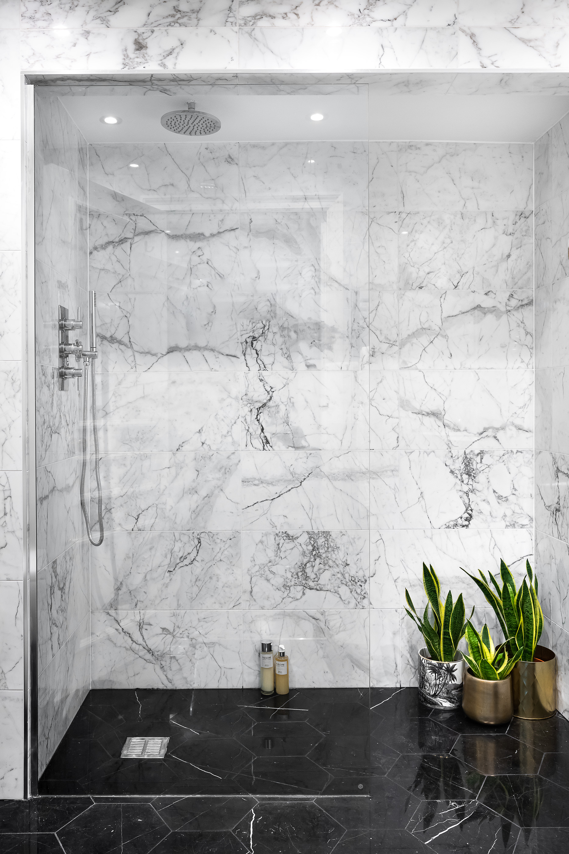 Knightsbridge bathroom:    A complete transformation of an old dated bathroom. We created a stunning arabescato marble bathroom for our client who was renting their property and needed to update it.