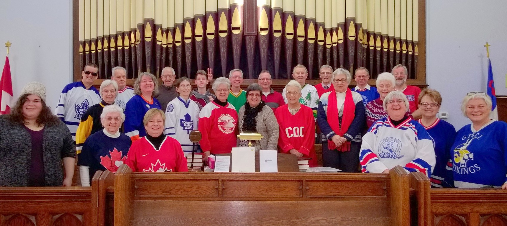 hockey_sunday_choir.jpg