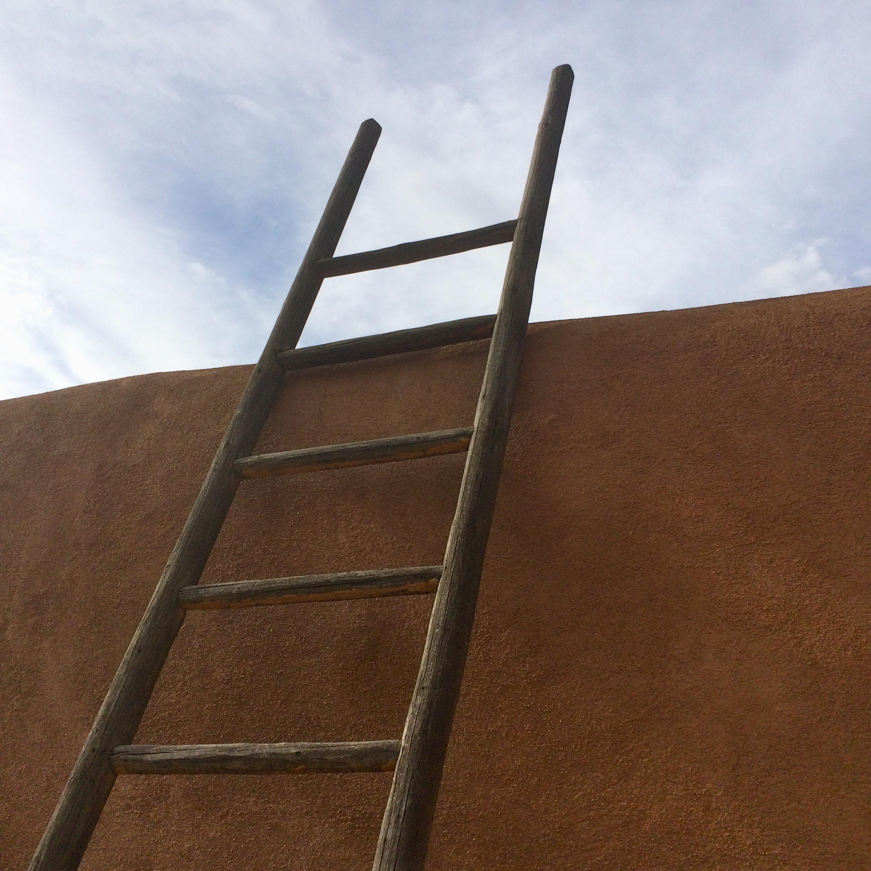 Georgia-O-Keeffe-home-ladder