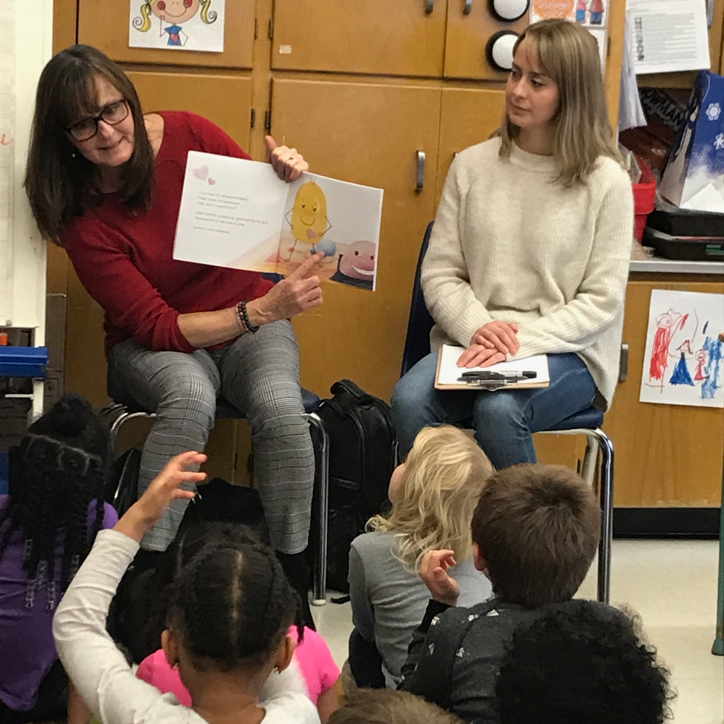 Kindergarten class visit. Author Michele Welch (left) and Illustrator Jazmin Welch (right)