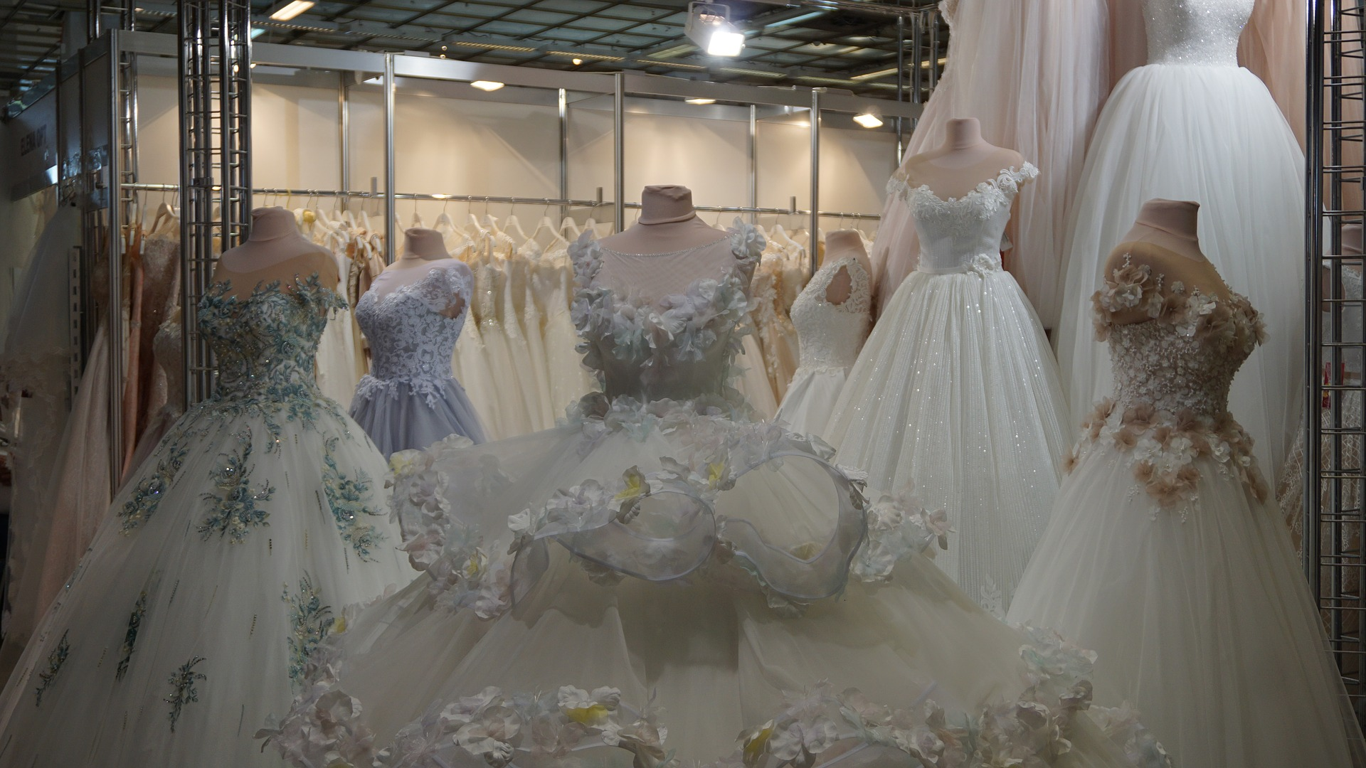 wedding-2686712_1920.jpg