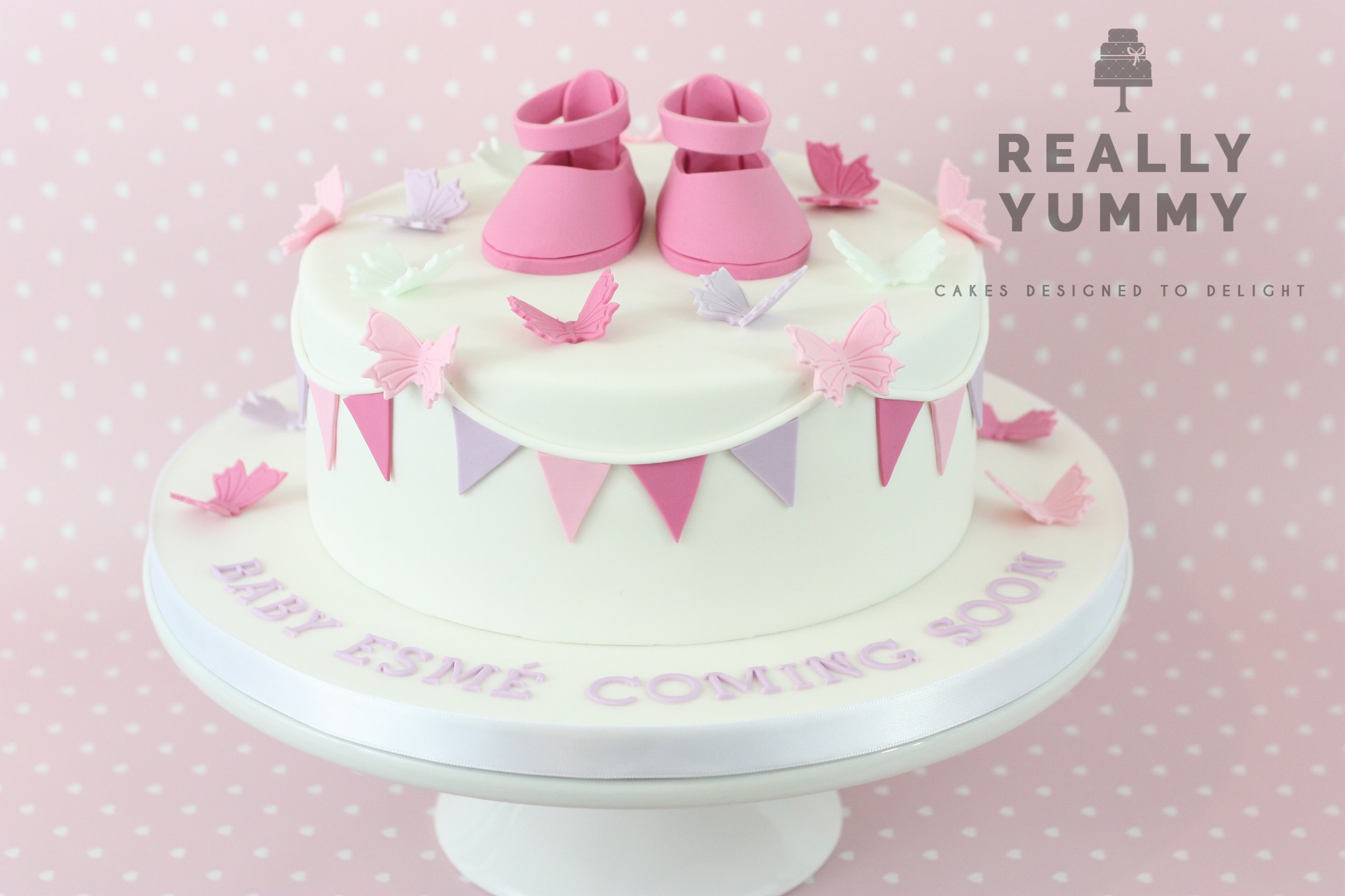 More bunting, this time with a pair of baby shoes. Such a popular topper, and such fun to make! Perfect for a baby shower.