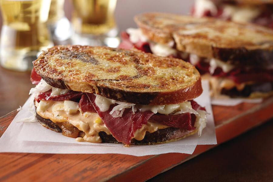 Reub-Egg-En Sandwich