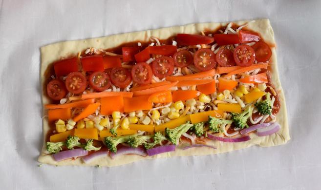 Rainbow Veggie Pizza recipe and photo courtesy of Jenni Ward.