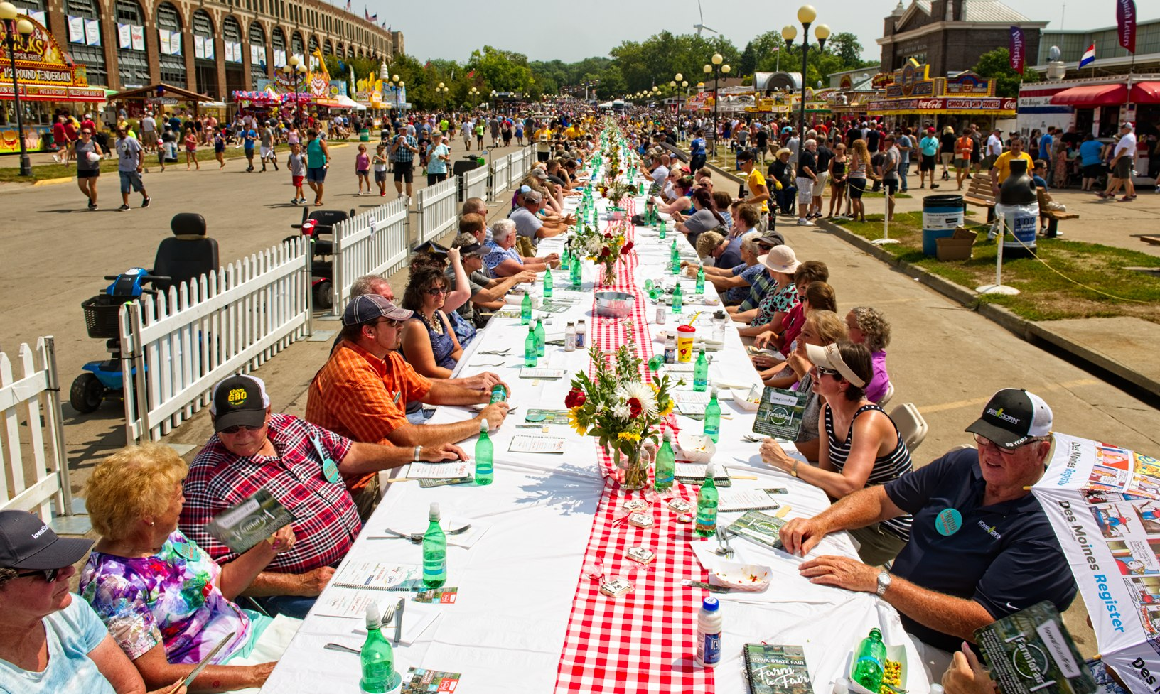 More than 500 fairgoers dined on the Grand Concourse during the Iowa State Fair at the inaugural Farm to Fair event. Photo credit: Joseph L. Murphy/Iowa Soybean Association