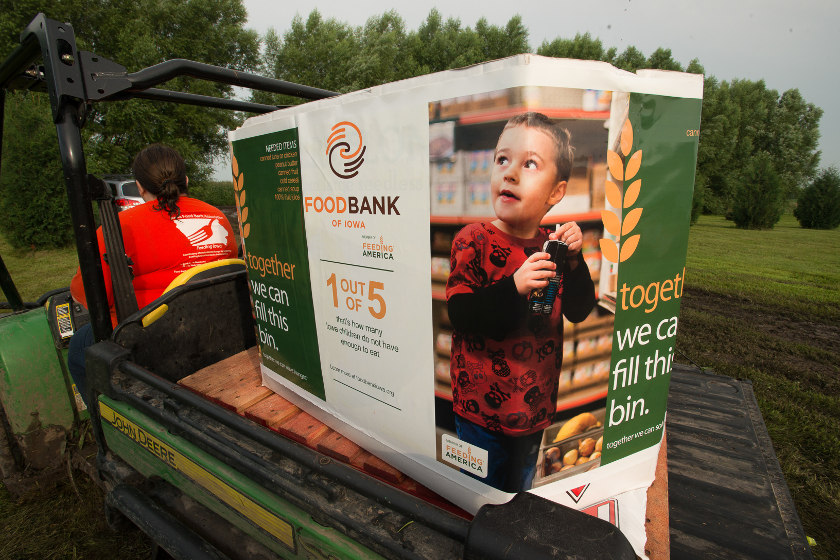 The Van Manen Family Farm grows and harvests sweet corn for the Food Bank of Iowa. Photo credit: Joseph L. Murphy/Iowa Soybean Association