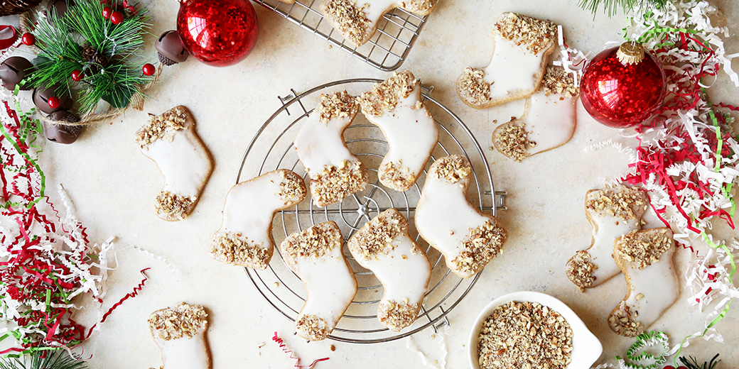 Enjoy Mulled Cider & Oatmeal Cut-Outs with a tall glass of milk. Photo credit: Dairy Good